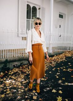 Outfit Formulas That Are Deceptively Easy Runway Fashion, Love Fashion, Spring Fashion, Autumn Fashion, Simple Outfits, Stylish Outfits, 30 Outfits, Skirt Outfits, Inspiration Mode