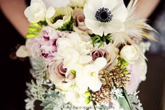 Feather accent #anemone #bouquet