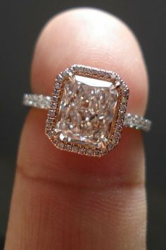 How Are Vintage Diamond Engagement Rings Not The Same As Modern Rings? If you're deciding from a vintage or modern diamond engagement ring, there's a great deal to consider. Bling Bling, Halo Diamond, Diamond Rings, Diamond Cuts, Solitaire Rings, Ruby Rings, Halo Rings, Diamond Stone, 3 Karat