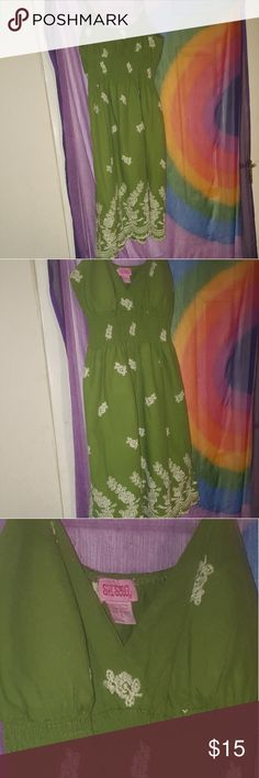 Large Green Summery short dress CUTE  spaghetti strap above the knee flowing dress. I wore this 1 time for 20 min for pictures. It is soft and has cup pads in them.  This will look great in almost anyone. She's Cool Dresses