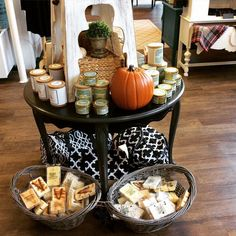 It's Fall so your house should smell like it right?! Try our Pumpkin Latte or Salted Caramel Apple candles! We also have a variety of wax melts!!  #shopsmall #shoplocal #shopsgg #southernfirefly #candles #waxmelts by southerngracegifts