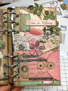 Collage Book, Collage Art Mixed Media, Book Art, Mini Albums Scrap, Mini Scrapbook Albums, Art Journal Pages, Junk Journal, Glue Book, Elizabeth Craft Designs