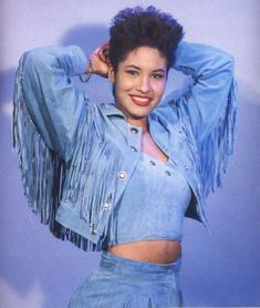 Selena Quintanilla fashion is all about ruffles and bling with a Texan twist. We've put together some of our favorite Selena Quintanilla-inspired outfits that will have you bidi bidi bom bom-ing all day long. Selena Quintanilla Perez, Selena And Chris, Selena Selena, Selena Pictures, Mode Vintage, Vintage Stuff, 90s Fashion, Role Models, My Idol