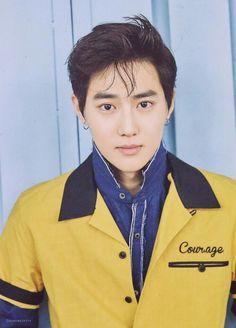 he looks so hot with earrings bye