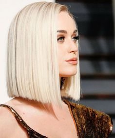 17 Pictures of Super Stylish Celebrity Blonde Blunt Haircuts 2019 to Steal From . Haircuts For Medium Hair, Medium Hair Cuts, Short Bob Hairstyles, Medium Hair Styles, Short Hair Styles, Blunt Haircut Medium, Blunt Bob Haircuts, Hairstyles Pictures, Summer Hairstyles