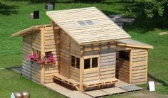 Maisons construites à partir de produits recyclés et de déchets