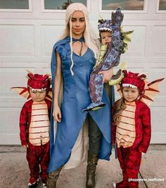 Attending Halloween celebrations with your other half? You're in the right place! Here are our favorite couples Halloween costumes for you and your partner. Source by Notsoboredmom More from my siteThe Cutest College Halloween Costumes Game Of Thrones Costumes, Game Costumes, Group Halloween Costumes, First Halloween, Halloween Outfits, Diy Costumes, Halloween Kids, Halloween Recipe, Superhero Family Costumes