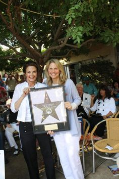 Wonder Woman Lynda Carter presents Bionic Woman Lindsay Wagner with her Star. — in Palm Springs, California.. May 12, 2012