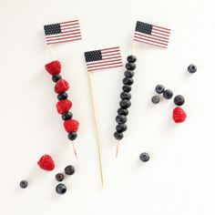 Cute, mini U.S. flags - FREE printable!