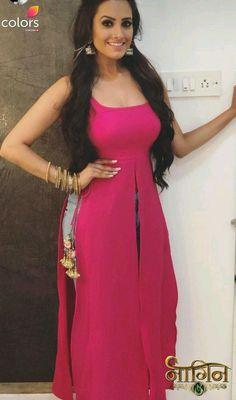 63 Ideas dress long boho hair for 2019 Salwar Designs, Kurti Neck Designs, Kurti Designs Party Wear, Blouse Designs, Stylish Dress Designs, Stylish Dresses, Casual Dresses, Indian Designer Outfits, Designer Dresses