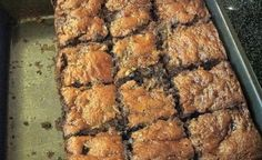 Healthy Zucchini & Peanut butter brownies! http://www.luciecolt.com/zucchini-brownies/