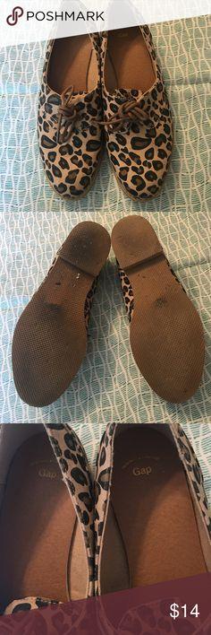 Gap shoes Used a couple times , no damages . Size 6 GAP Shoes