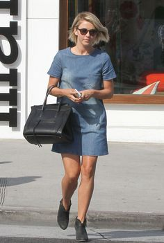 A denim dress — like the short-sleeved one Julianne Hough sported with gray booties — is a great way to look laid-back and dressy at the same time. Denim Fashion, Star Fashion, Boho Fashion, Celebrity Outfits, Sexy Outfits, Best Homecoming Dresses, Short Sleeve Denim Dress, Estilo Denim, Grey Booties