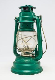 """DDR Museum - Museum: Objektdatenbank - """"Petroleumlampe"""" Copyright: DDR Museum, Berlin. Eine kommerzielle Nutzung des Bildes ist nicht erlaubt, but feel free to repin it!"""