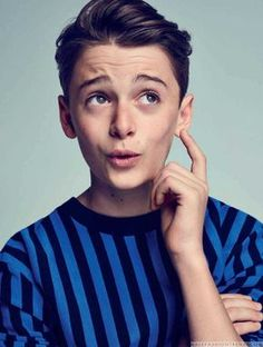 Male Fashion Trends: El pequeño gran Noah Schnapp para L'Officiel Hommes Paris por Eric Ray Davidson
