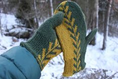 Ravelry: Grown Together pattern by Aino Vikman Drops Cotton Light, Drops Kid Silk, Drops Baby, Knitted Mittens Pattern, Knit Mittens, Knitted Gloves, Knitting Patterns Free, Crochet Patterns, Aran Weight Yarn