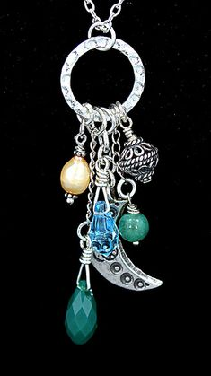 Stunning, long sterling charm necklace with sterling clusters of bright Swarovski crystals, sterling, and pearls on an 18 inch sterling chain. Wire Jewelry, Jewelry Crafts, Beaded Jewelry, Jewelry Necklaces, Diy Necklace Pendant, Bracelets, Jewelry Ideas, Jewellery, Diy Collier