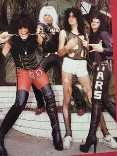 Motley Crue/Def Leppard/Poison/Joan Jett and the Blackhearts 80s Rock Fashion, Metal Fashion, Hair Metal Bands, 80s Hair Bands, Tommy Lee, Heavy Hair, Heavy Metal, Motley Crue Nikki Sixx, 80s Rock Bands