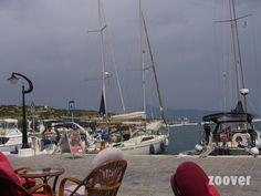 Pythagorion-boulevard-harbor