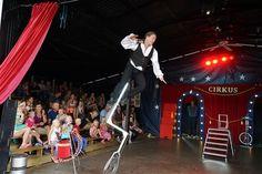 Dagsprogram Lilleputthammer familiepark Ski, Basketball Court, Wrestling, Sports, Lucha Libre, Hs Sports, Skiing, Sport