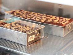 BROWNIES COKLAT Panggang Klasik no Mixer untuk adik tersayang :) recipe step 6 photo Best Chocolate Brownie Recipe, Brownie Recipes, Snack Recipes, Cooking Recipes, Pastry Recipes, Delicious Cake Recipes, Yummy Cakes, Brownie Cupcakes, Cupcake Cakes