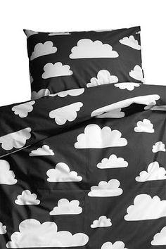 Farg Form Bedset with Cloud Print (Black) FARG FORM http://www.amazon.co.uk/dp/B00C5PDBJK/ref=cm_sw_r_pi_dp_MMIPvb1W5MZKF
