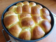 Raspberrybrunette: Pečené buchty Cornbread, Food And Drink, Cooking Recipes, Ethnic Recipes, Breads, Anna, Basket, Millet Bread, Bread Rolls