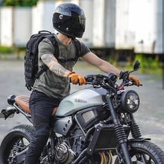 This scrambler motorcycle ideas is unquestionably a striking style technique. Yamaha Cafe Racer, Motos Yamaha, Yamaha Motorcycles, Yamaha Yzf R6, Vintage Motorcycles, Ducati, Cafe Racers, Cafe Racer Motorcycle, Moto Bike