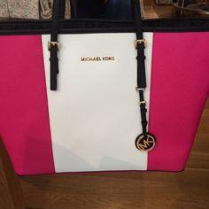 2015 Fashion Michael Kors Handbags #Michael #Kors #Handbags, Michael Kors Outlet Can Get Any Style You Want At Here!!!