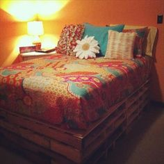 Pallet Bed to Fulfill Your Comfort Needs!! | Pallets Furniture Designs