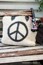 Ihan Kaikki Kotona: Minit Burlap, Converse, Reusable Tote Bags, Knitting, Crochet, Peace, Totes, Coin Purses, Purses