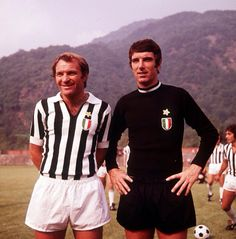 The players José João Altafini (Juventus FC, 1972–1976, 74 apps, 25 goals) and Dino Zoff (Juventus FC, 1972–1983, 330 apps, 0 goal) in the mid-70s.
