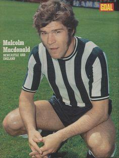 Malcolm Macdonald, English Football League, Newcastle, Kicks, Goals, Centre, Sports, Clock, Sideburns