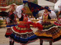 Tanzende Polinnen - Oktoberfest von Miriola Dzik