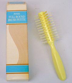 Avon Hair Brush Yellow Full Round Pee Rare With Original Box 7 Vintage