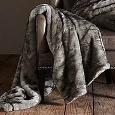 Mink Throw In Grey
