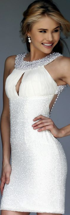 There is just something so perfect about this dress. It just calls to me.