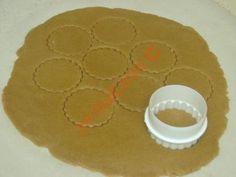 Zencefilli Tarçınlı Kurabiye Special Recipes, Slow Cooker Recipes, Gingerbread Cookies, Cookie Recipes, Cinnamon, Recipies, Food And Drink, Favorite Recipes, Coffee Cookies