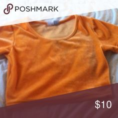 orange crop velvet velma tee sold this item but the buyer sent it back because of a small stain that i have since washed out. size M. stretchy. lmk if you have questions Tops Crop Tops