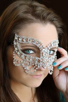 NWT Venetian Butterfly Rhinestone Mask Wedding, Masquerade Costume Halloween $55.99