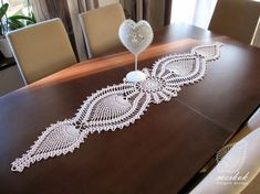 Crochet Table Runner, Crochet Home, Crochet Doilies, Table Runners, Centerpieces, Pineapple, Diy Crafts, Gifts, Tablecloths