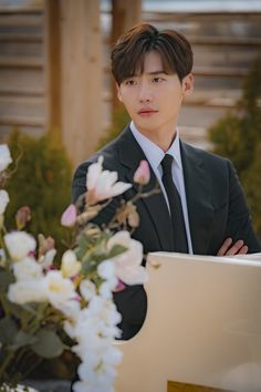 Lee Jong Suk ❤❤ 'Romance is a bonus book' Drama ^^ Lee Jong Suk Cute, Lee Jung Suk, Jung Hyun, Cha Eun Woo, Lee Jong Suk Wallpaper, Hyde Jekyll Me, Kang Chul, Doctor Stranger, Lee Young