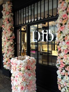 Jadore Flower Display by Donaldo Radovich Dior Flowers, Flower Installation, Floral Design, Display, Table Decorations, Creative, Floor Space, Billboard, Floral Patterns