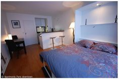 n a modern building, near the Triumph of Arch in Place de l'Etoile, studio for 2 people, on the 3th floor with 2 elevators. Includes : An entry, a main room with a bed for 2 people (wardrobe bed).A table for dining, 2 chairs, a bar,TV, WIFI, Internationales channels, http://apartmentsparisdowntown.com/