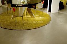 Topcret presenta Baxab, micro-revestimiento para suelos, que no se raya, no se mancha, no se marca, no se quema. Ideal para tiendas, terrazas, piscinas, baños y cocinas. Es impermeable, aplicable sobre casi cualquier superficie y permite una colocación rápida.