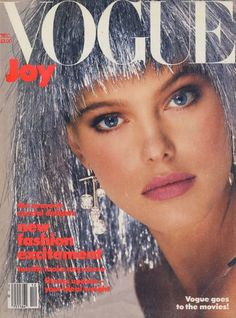 17 covers Vogue Italia November by Bill King. Vogue UK January and Vogue Paris February by Albert Watson. Vogue Deutsch March by Bert Stern. Vogue US and Vogue Deutsch April Vogue Magazine Covers, Fashion Magazine Cover, Fashion Cover, 90s Fashion, Weird Fashion, Female Fashion, Fasion, Fashion Models, Womens Fashion