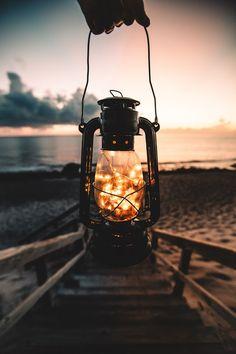 Carry Light!Not darkness