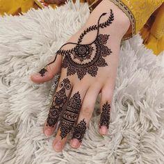 Latest Henna Designs, Pretty Henna Designs, Floral Henna Designs, Henna Tattoo Designs Simple, Finger Henna Designs, Beginner Henna Designs, Full Hand Mehndi Designs, Henna Art Designs, Mehndi Designs For Girls