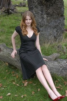 Picture of Rachel Hurd-Wood Most Beautiful Faces, Beautiful Girl Image, Beautiful Models, Beautiful Women, Beauty Full Girl, Beauty Women, Rachel Hurd Wood, Tank Top Outfits, Sexy Legs And Heels