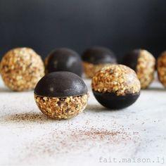 Dark Chocolate & Granola Bliss Balls recipe on Flake Chocolate, Dark Chocolate Recipes, Dark Chocolate Almonds, Chocolate Granola, Melting Chocolate, Vegan Cream Cheese, Bliss Balls, Balls Recipe, Sliced Almonds